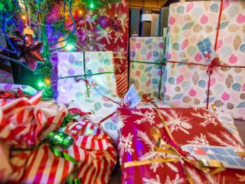 Cadeaux sous le sapin de Noël.