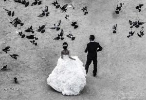 couple de mariés vu d'en haut