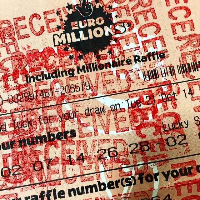 Ticket d'EuroMillions tamponné à saturation.