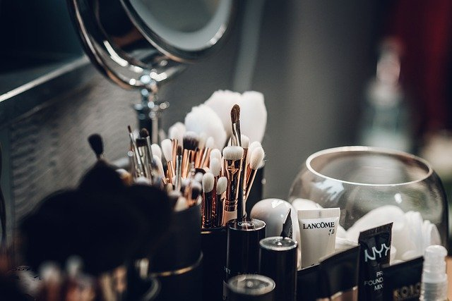 matériel de maquillage